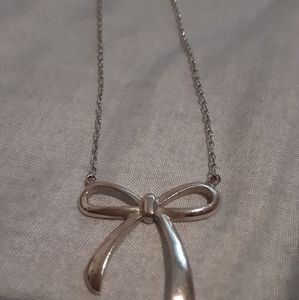 925 Sterling Silver Bow Necklace
